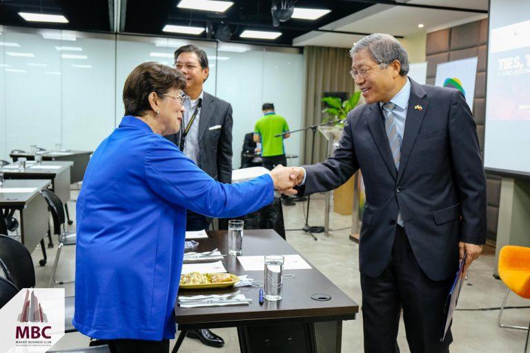 Ambassador Han Dong Man with Corazon dela Paz-Bernardo